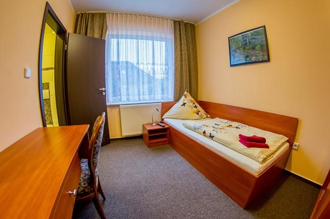 pension garbsen willkommen in hannover. Black Bedroom Furniture Sets. Home Design Ideas